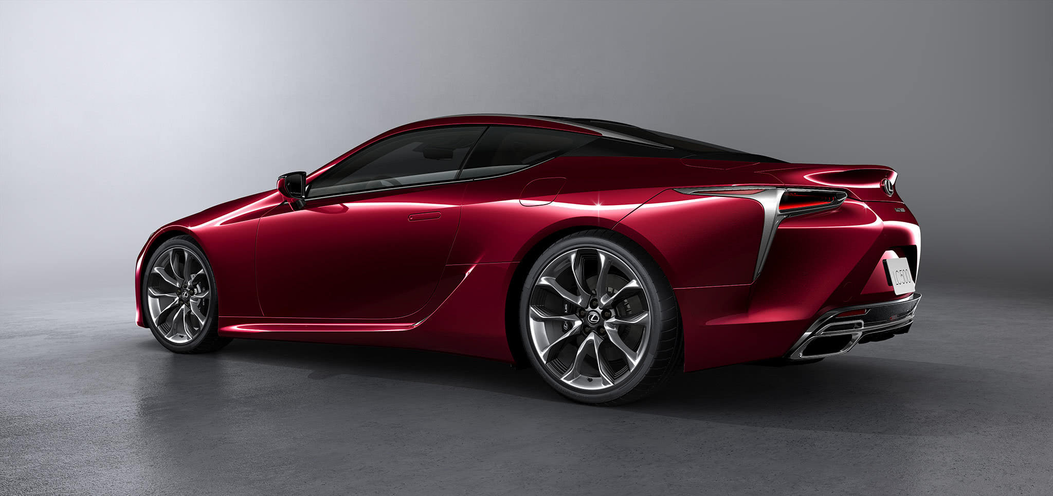 LC500 σε κόκκινο χρώμα