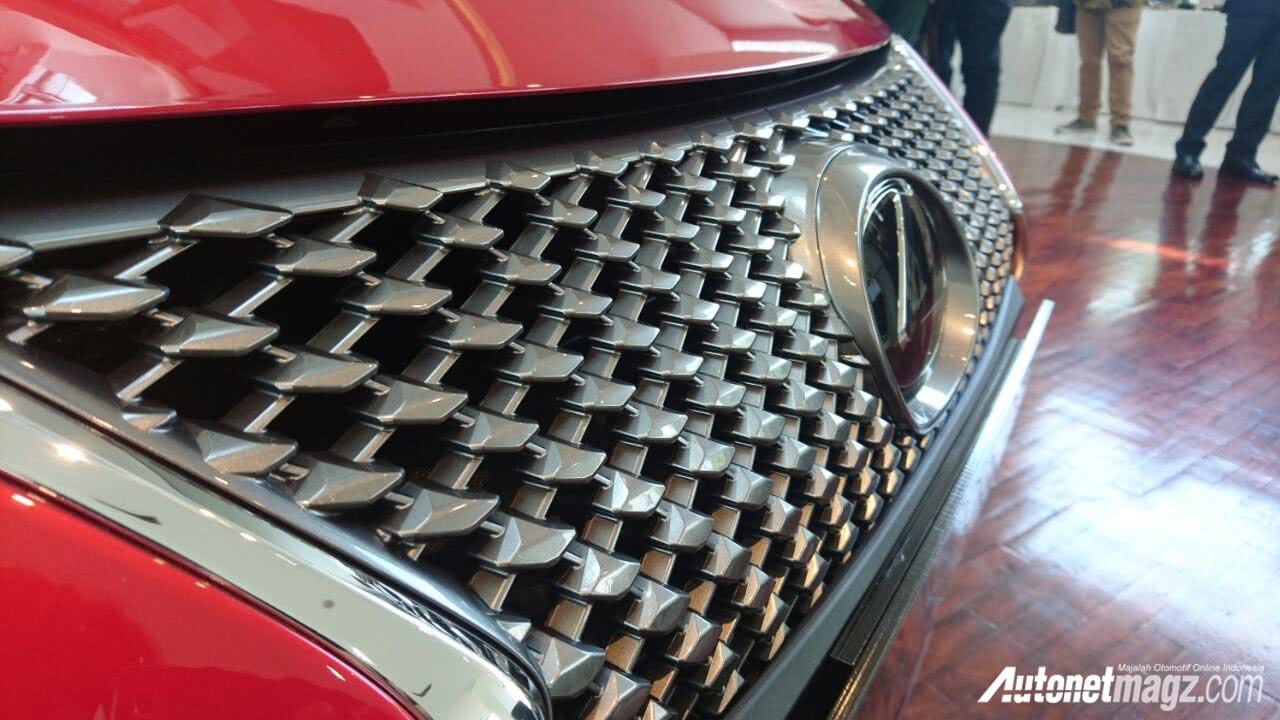 Lexus LC500 μάσκα