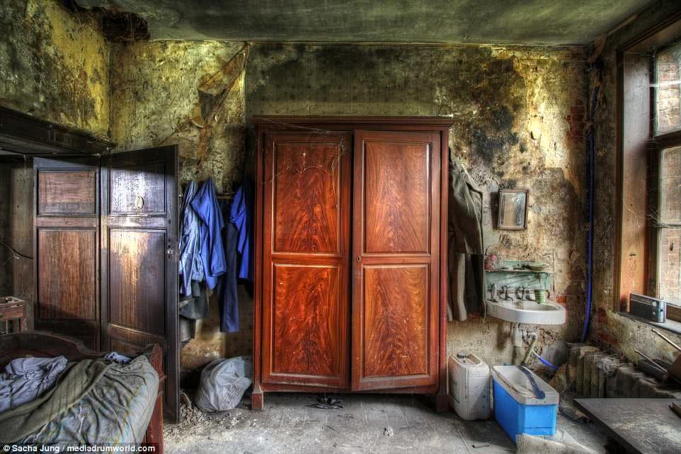 κρεβατοκάμαρα παλιού σπιτιού