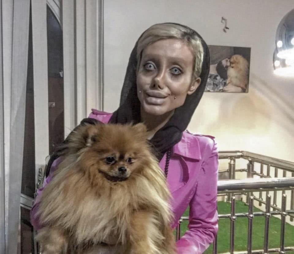 η σαχάρ με σκύλο