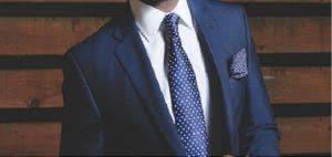 άνδρας με γραβάτα