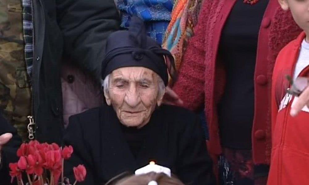 η κύπρια γιαγιά ελένη
