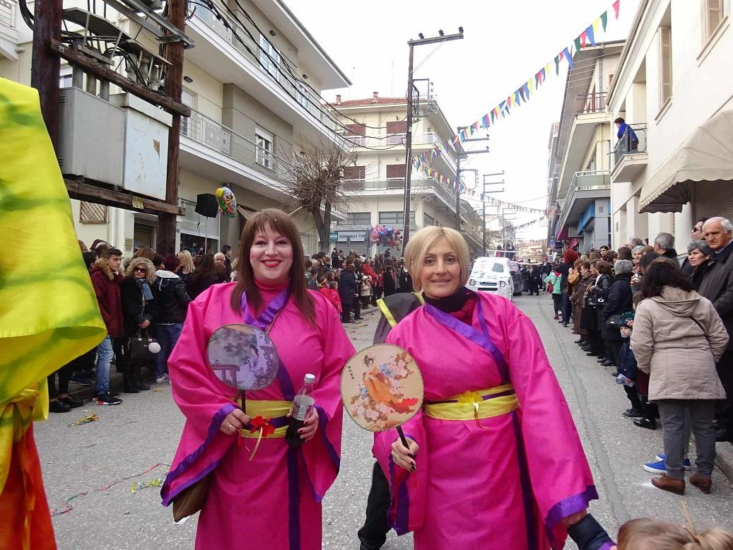 γυναίκες ντυμένες κινέζες