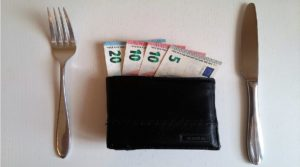 χρήματα για έξοδα φαγητού