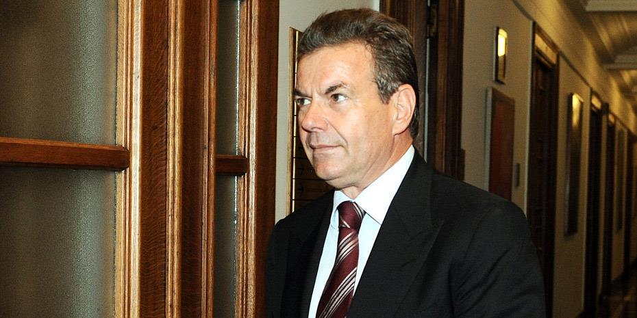 Πετρόπουλος: Στις 53.800 οι εκκρεμείς συντάξεις
