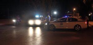 αστυνομικό όχημα βράδυ