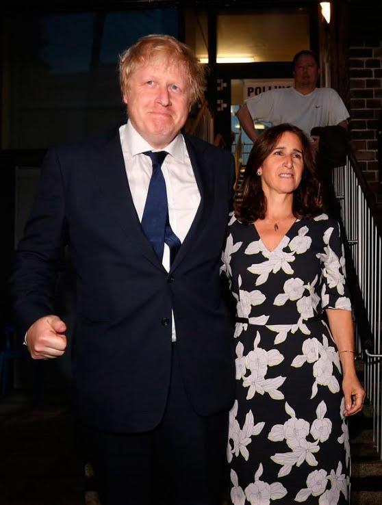 ο μπόρις με την σύζυγο