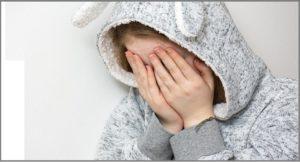 κορίτσι κλαίει