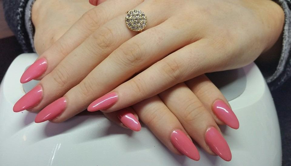 νύχια γυναίκας