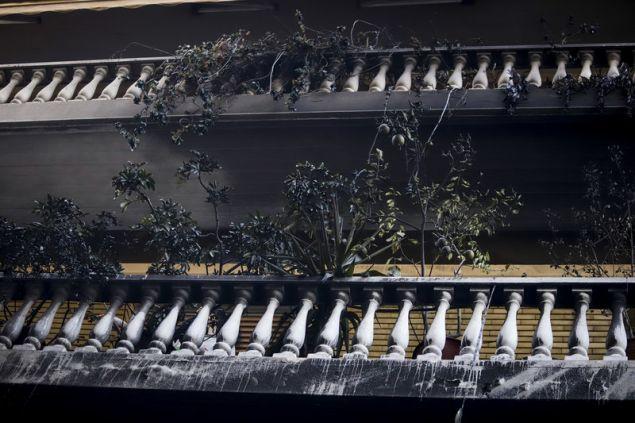 καμμένο μπαλκόνι