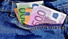 τσέπες με χρήματα