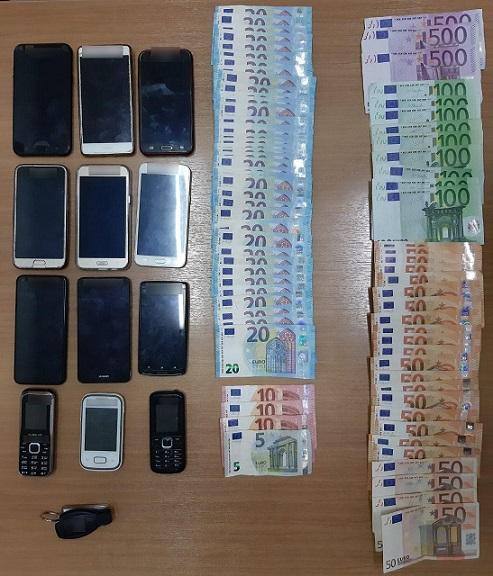 κινητά τηλέφωνα, χρήματα