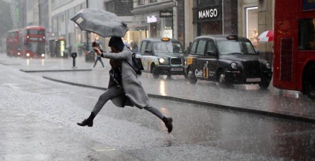 επιδείνωση του καιρού με βροχές και χαλάζι
