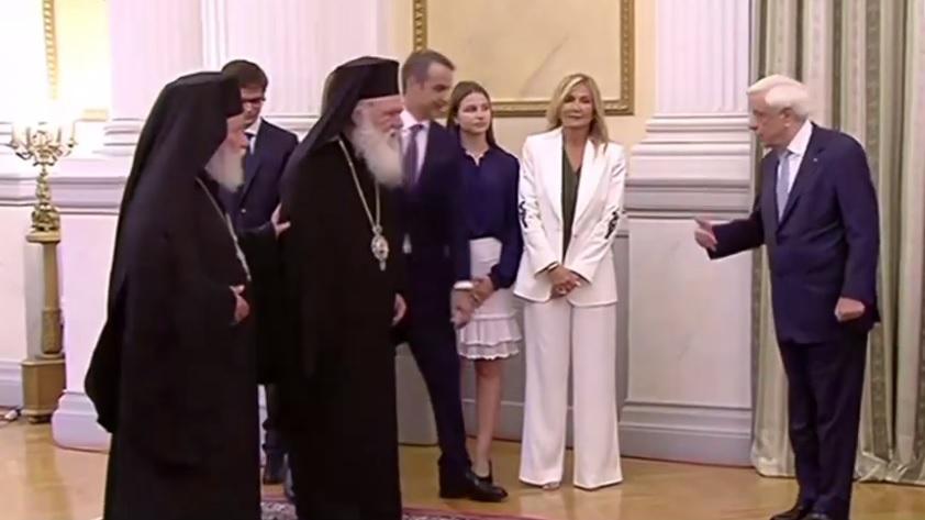 ο νέος πρωθυπουργός, συνοδευόταν από την οικογένεια του